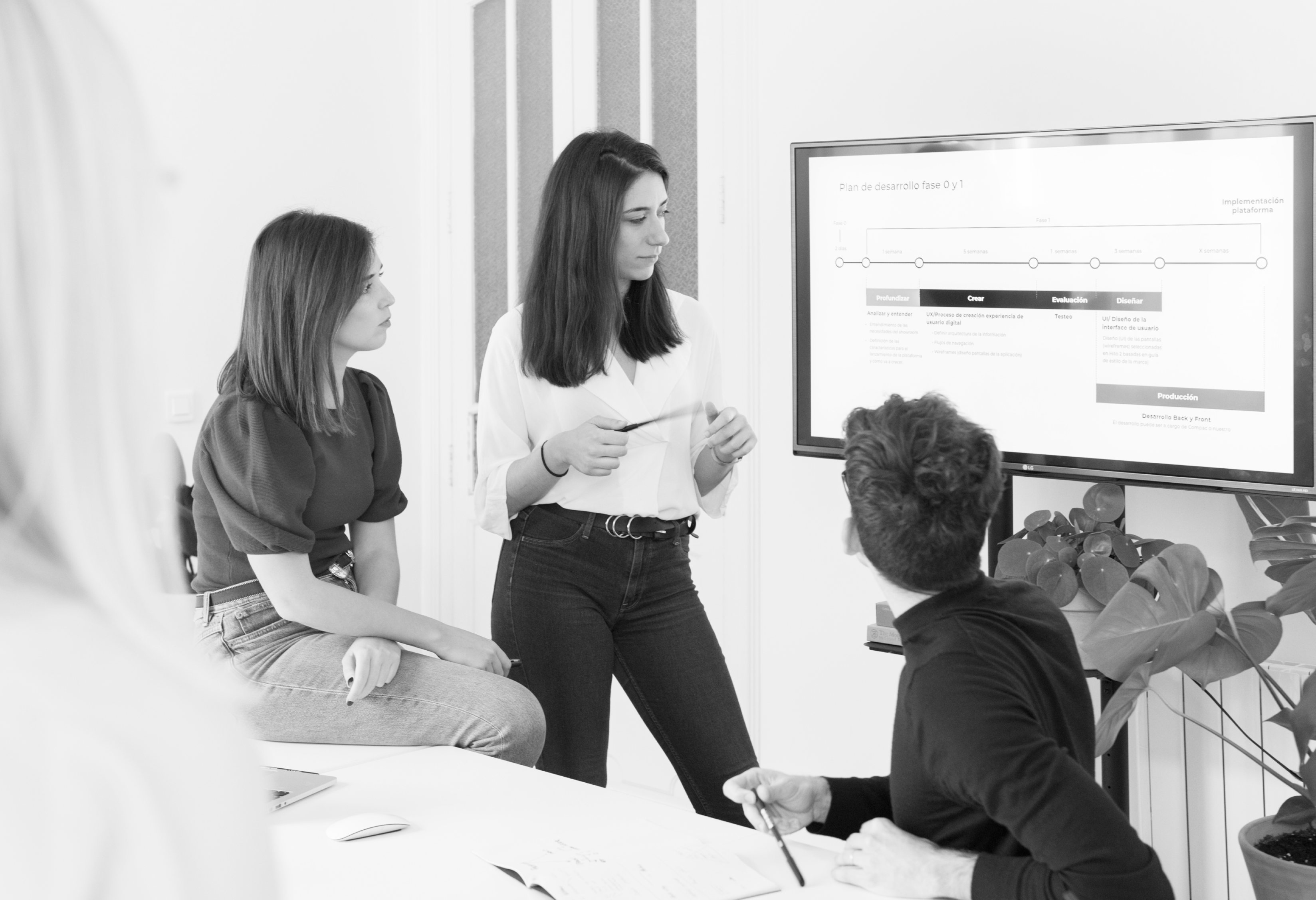A multi-disciplinary team of designers, innovators, strategists and entrepreneurs.